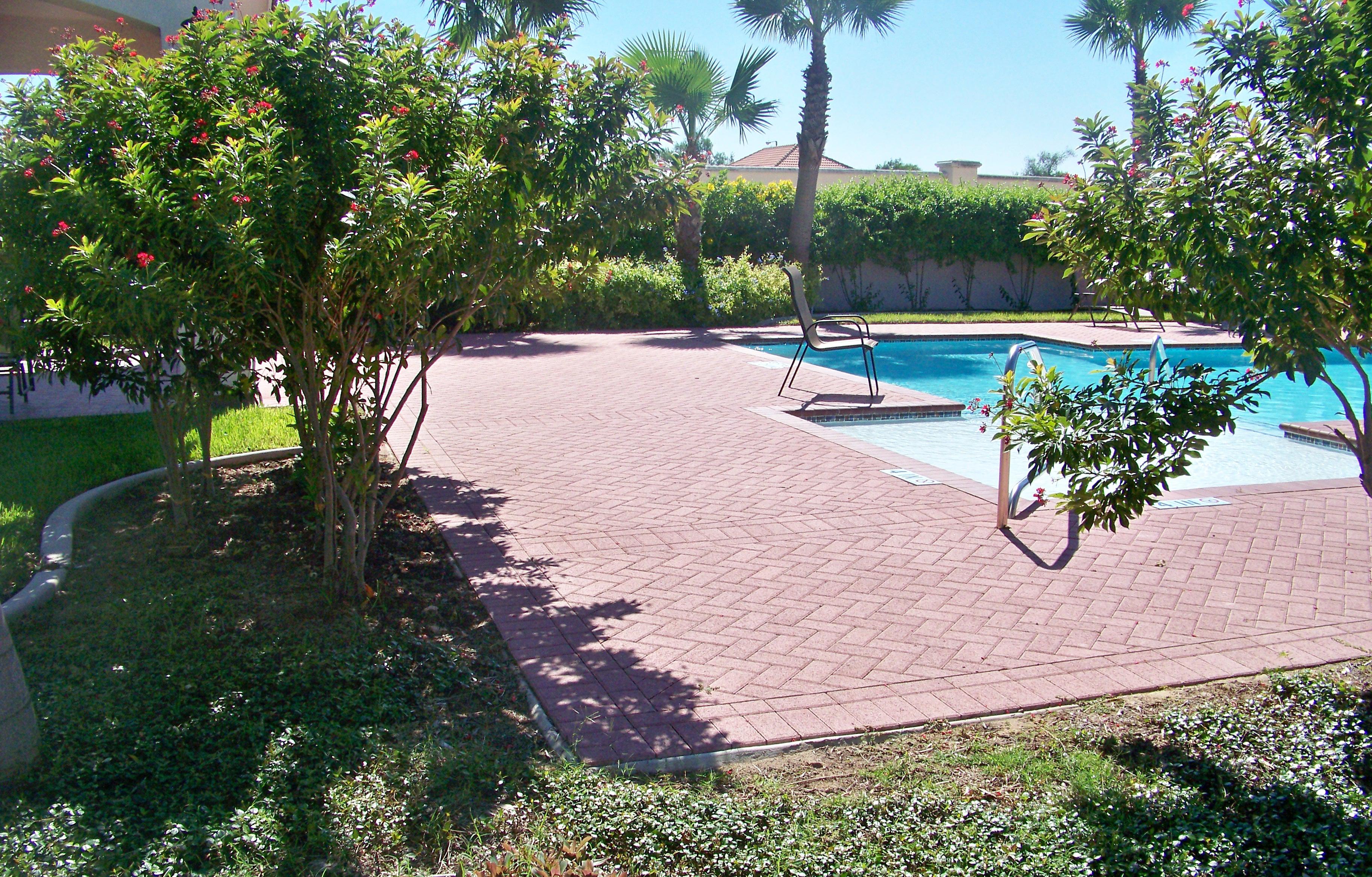 Poolside 4
